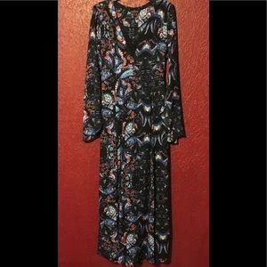 EXPRESS *RARE* Bell Sleeve Maxi Dress Sz 4